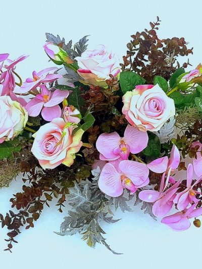 Аранжировки от изкуствени цветя
