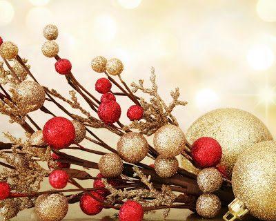 Коледни клончета,Шишарки и декорации
