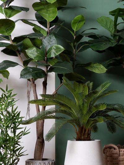 Изкуствени Дървета и Палми